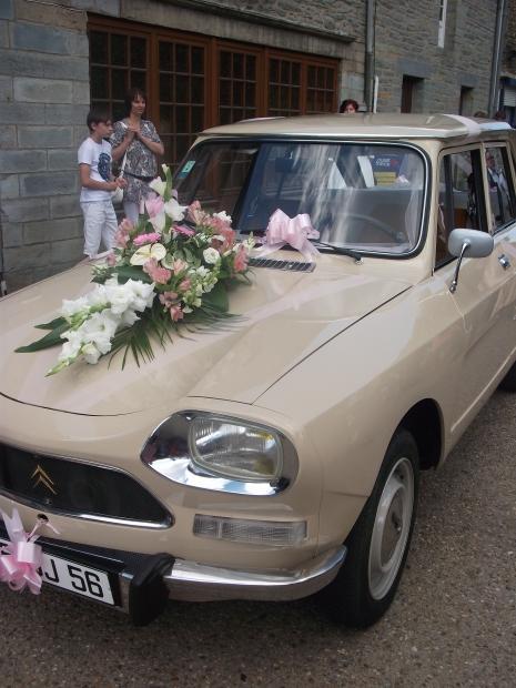 Décor de voiture de mariés