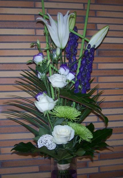 Bouquet linéaire tons bleu et blanc