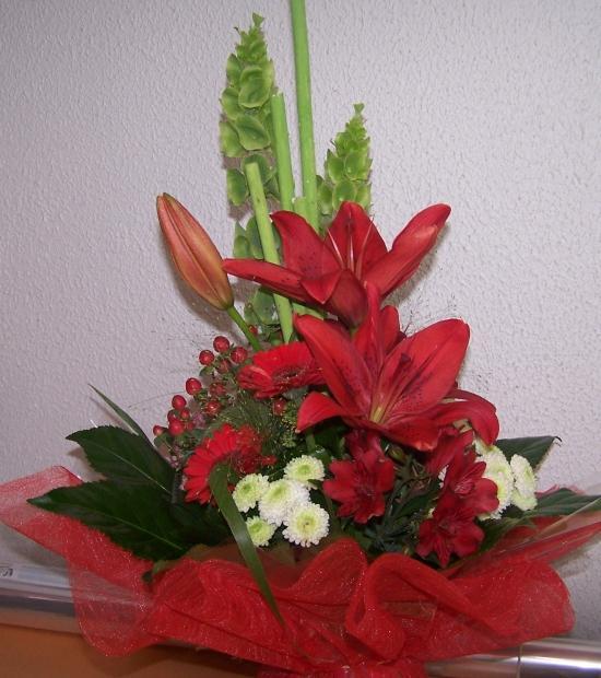 Bouquet rond avec un peu de hauteur